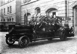 Les pompiers sur une Bussing