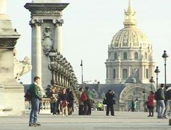 Le Pont Alexandre III (Le Pont des Invalides)