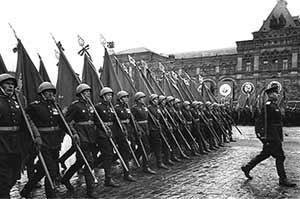 Le défilé de la Victoire sur la Place Rouge à Moscou, le 24 juin 1945