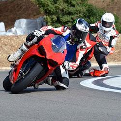 La moto et les motards
